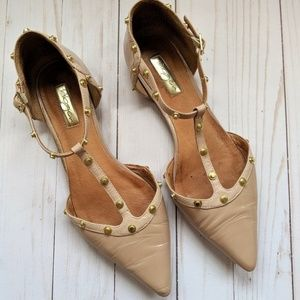 Nude studded pointed flats